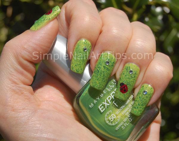 Ladybug nail art tutorial 3 SIMPLE: Lovely Ladybug Nail Art Tutorial