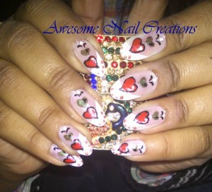 green and red heart valentine nail art e1360611223385 300x272 ENTRY: Valentines Nail Art   Red & Green Hearts
